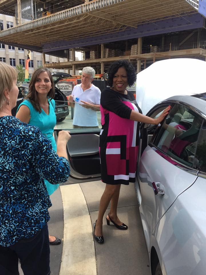 Mayor Broome talks to EV Car owners at #NDEW2107